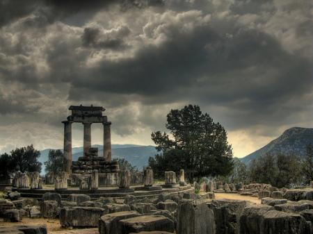templo_de_atenea_en_delfos