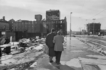 La avenida de los francotiradores de Sarajevo en una imagen tomada en febrero de 1994. Fotografía de Gervasio Sánchez