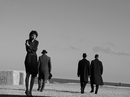 mariacarla-boscono-by-peter-lindbergh-for-vogue-italia-february-2014-82
